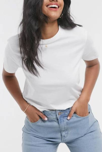 Best white t-shirt women: the crew neck