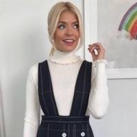 We're pining for Holly's pinafore