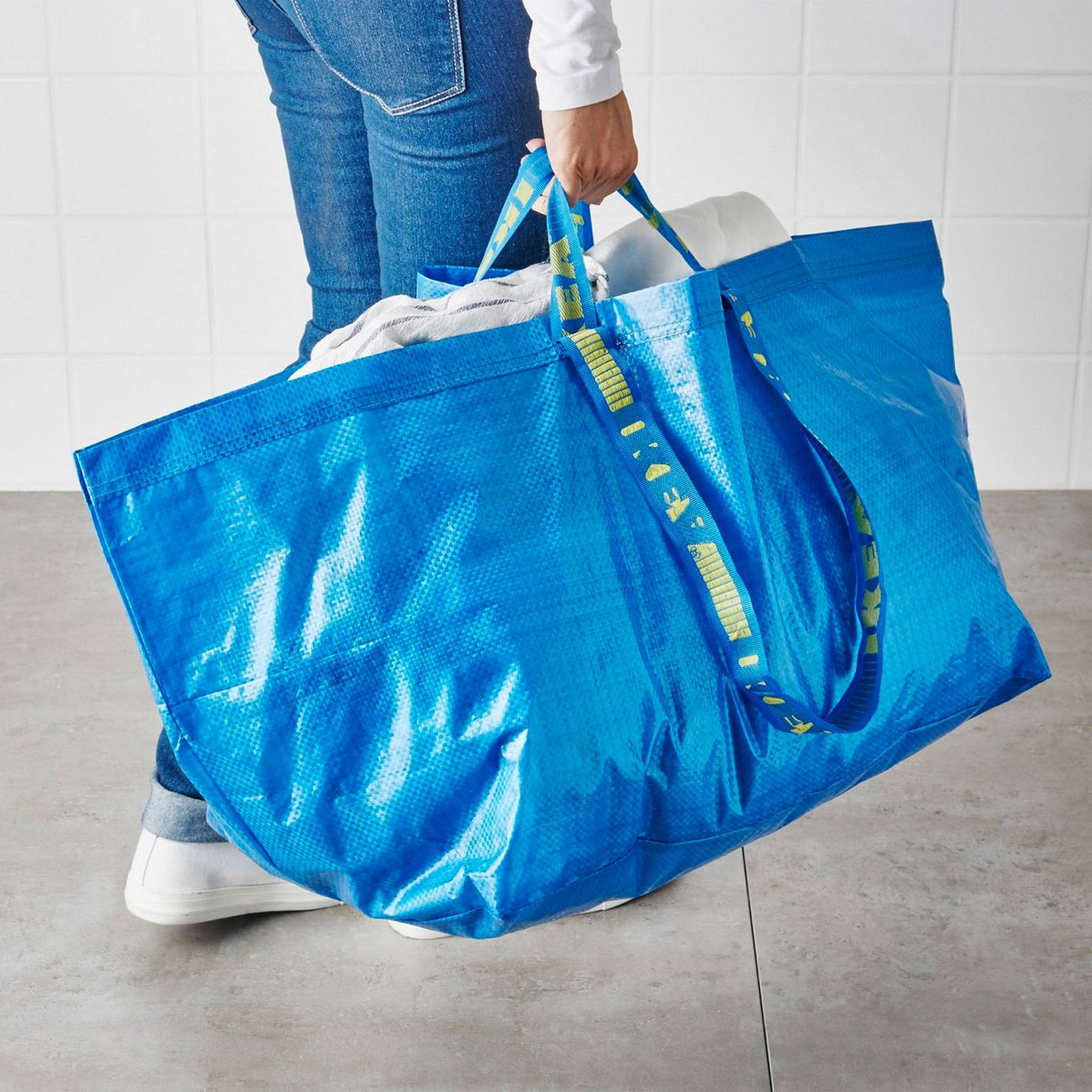 IKEA Responds To Balenciaga s Copycat Tote Bag  5e829da840bdc