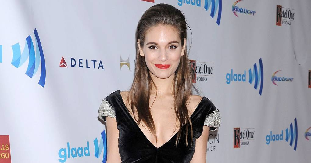 Caitlin Stasey: Nude pics not behind Good Weekend omission