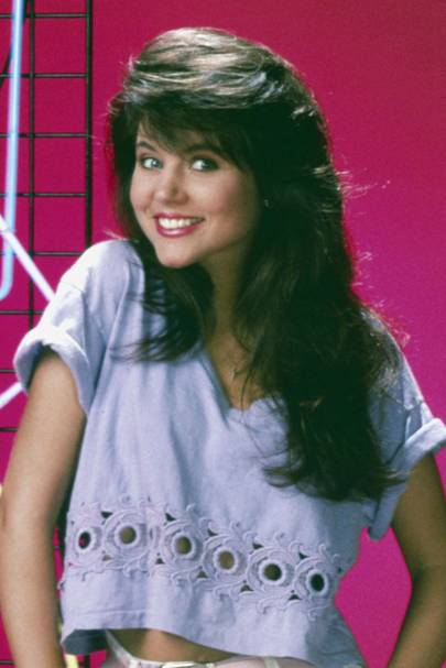 Kelly Kupowski's 80s hair - Saved By The Bell, 1989