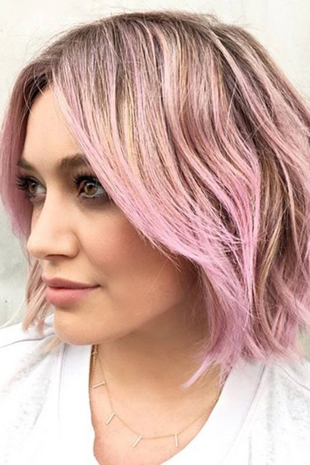 pics Elsa Hosks Newly Dyed Rose-Gold Hair Is Everything and More