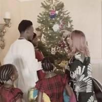 Madonna and family's homespun Christmas tree