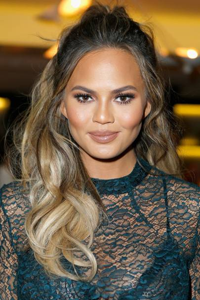 Chrissy Teigen Nip Slip At The Super Bowl Chrissy Teigen -2015