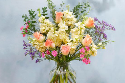 Best Easter Gifts: the Easter flowers