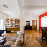 Airbnb monthly discounts: Greece
