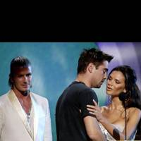 Colin Farrell hits on Victoria Beckham