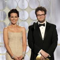 Kate Beckinsale and Seth Rogen at the Golden Globes 2012