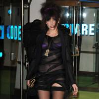DON'T #5: Daisy Lowe at the Alice In Wonderland premiere, February