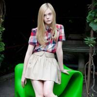 Skirt 'N' Shirt - Elle Fanning