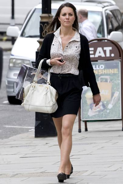Kate Middleton – Skirting It