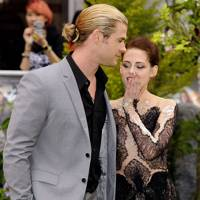 Chris Hemsworth and Kristen Stewart
