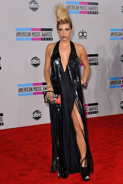 DON'T #2: Ke$ha at the American Music Awards, November