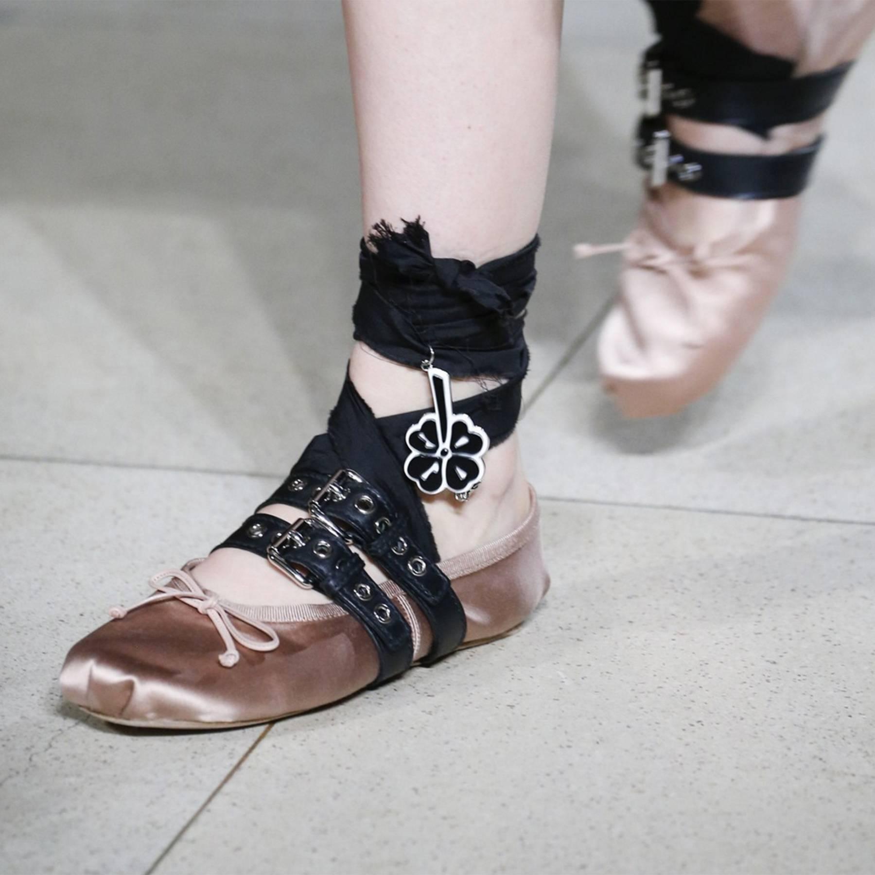 Miu Miu ballet pumps DIY guide  e584d551c0bb2
