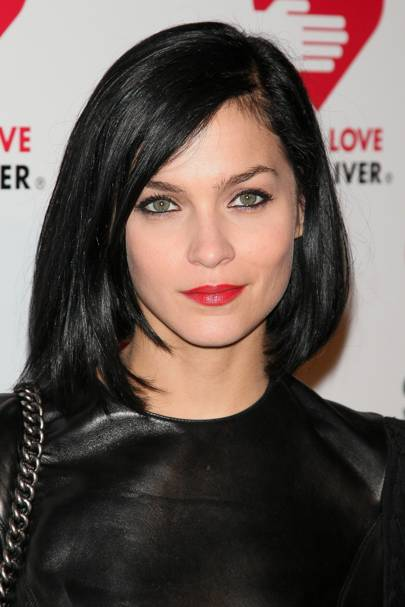 Celebrity fringe hairstyles with and without bangs glamour uk wed been so used to seeing leigh lezark fully fringed her first side swept hairstyle gave us quite a shock she looks stunning with her hair off her face winobraniefo Choice Image