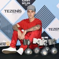 MTV Awards Scoop