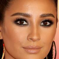 Your step-by-step guide to creating a smokey eye that's totally foolproof