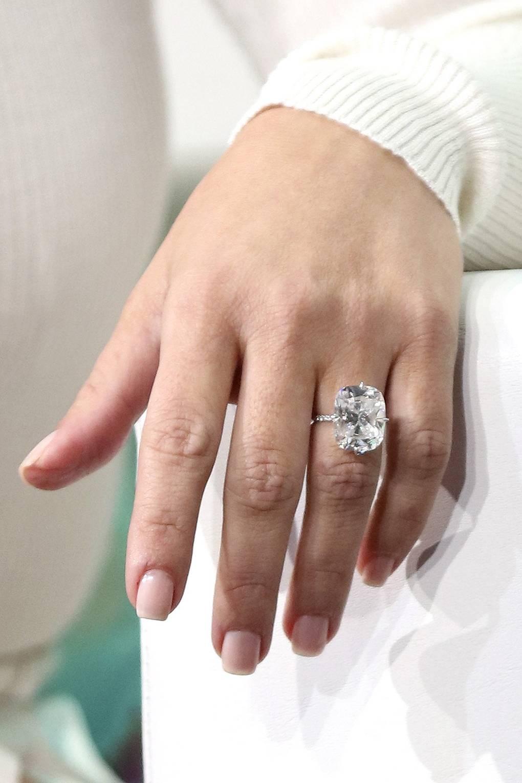 eb53833cb Kim Kardashian Paris Robbery Jewellery What Was Stolen