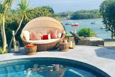 Best holiday home with pool and sea views