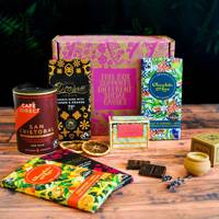 Gifts for her: the ethical product gift box