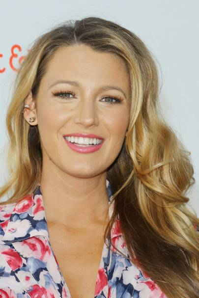 Blake lively hairstyles blake lively hair gossip girl hair blake rocks her signature look perfect glossy curls and a glossy pink lip beauty perfection urmus Image collections