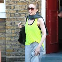Kylie Minogue – Rocking Neon