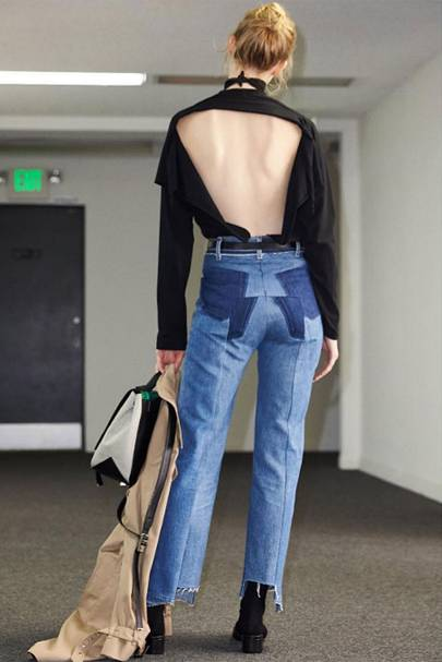 Create your own backless T-shirt a la Vetements