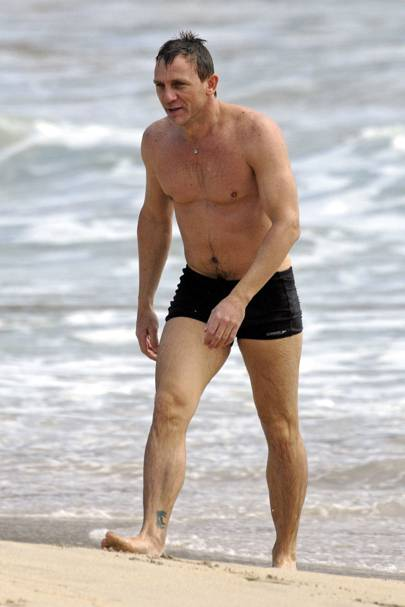 daniel craig swim shorts