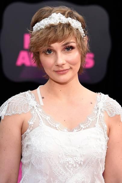 Clare Bowen Nashville Talks Wedding Dress Nashville Season 5 Glamour Uk