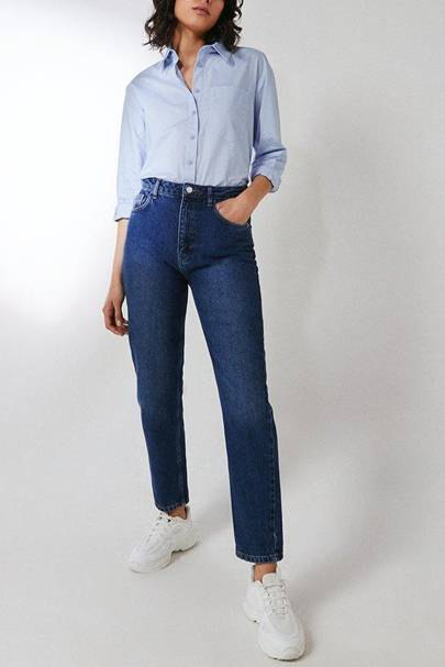 Mom jeans in the sale