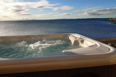 Holiday cottages with hot tubs: Northern Ireland