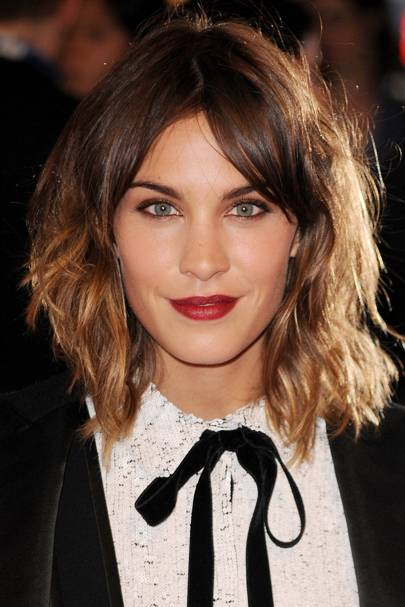 Alexa Chung Best Hairstyles Hair Make Up Looks Glamour Uk