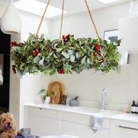 Best Christmas decorations: the hanging wreath
