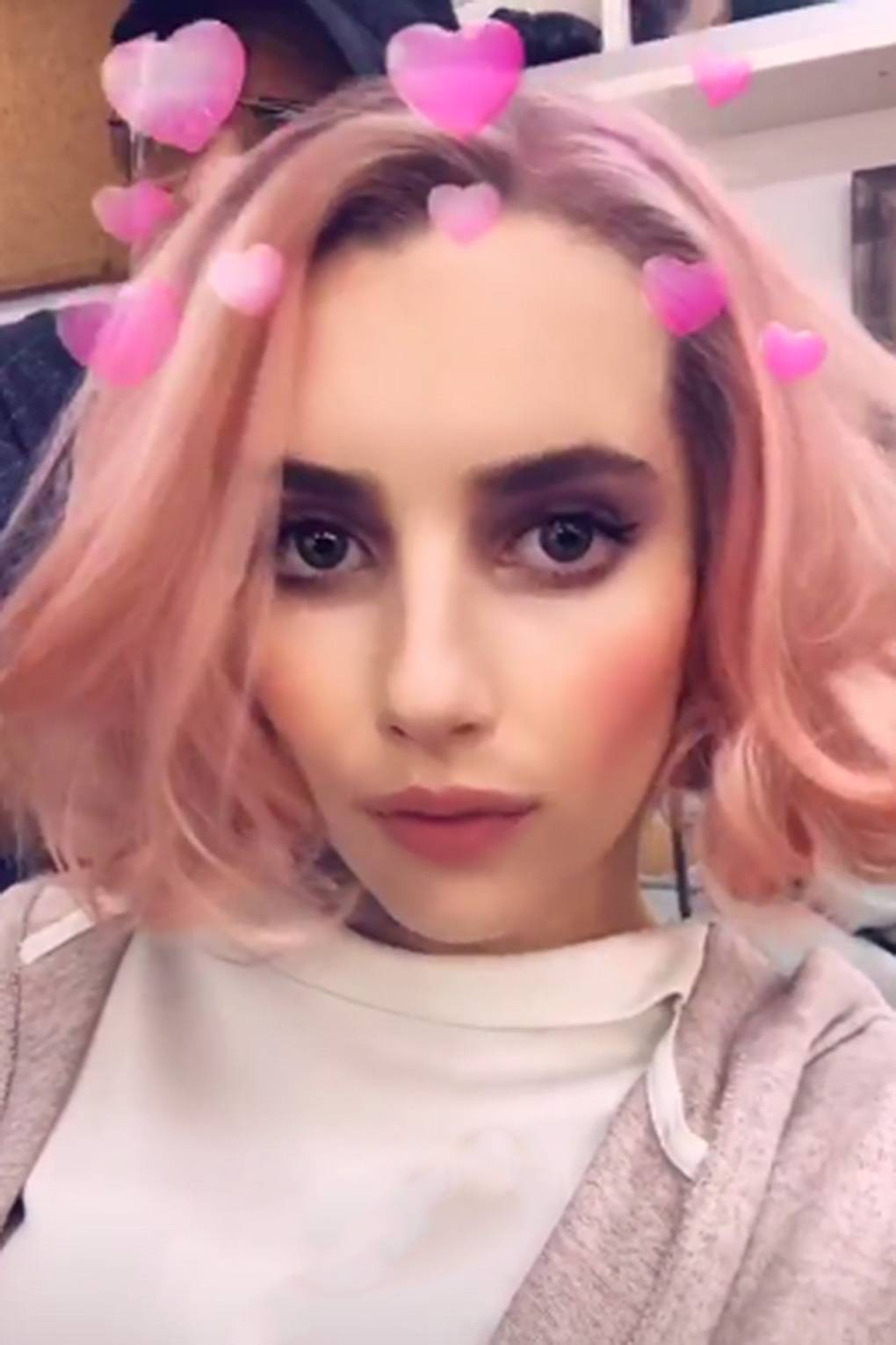 Watch Elsa Hosks Newly Dyed Rose-Gold Hair Is Everything and More video