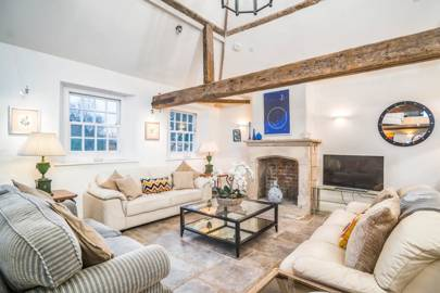 Best luxury Airbnb for Hen do