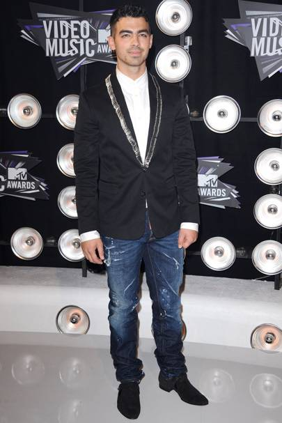 Joe Jonas at the MTV VMAs 2011