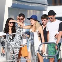 Selena Gomez & Cara Delevingne