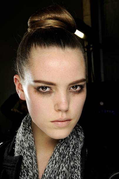 Hairstyles For Humidity : Humidity hair: hairstyles ideas for frizzy hair glamour uk
