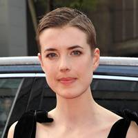 Agyness Deyn in Hard Sun