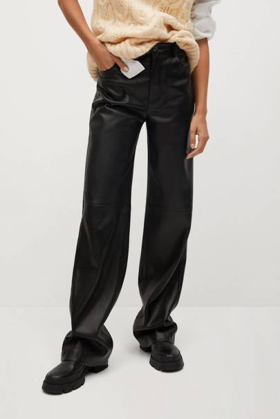 Leather trousers: the faux leather pair
