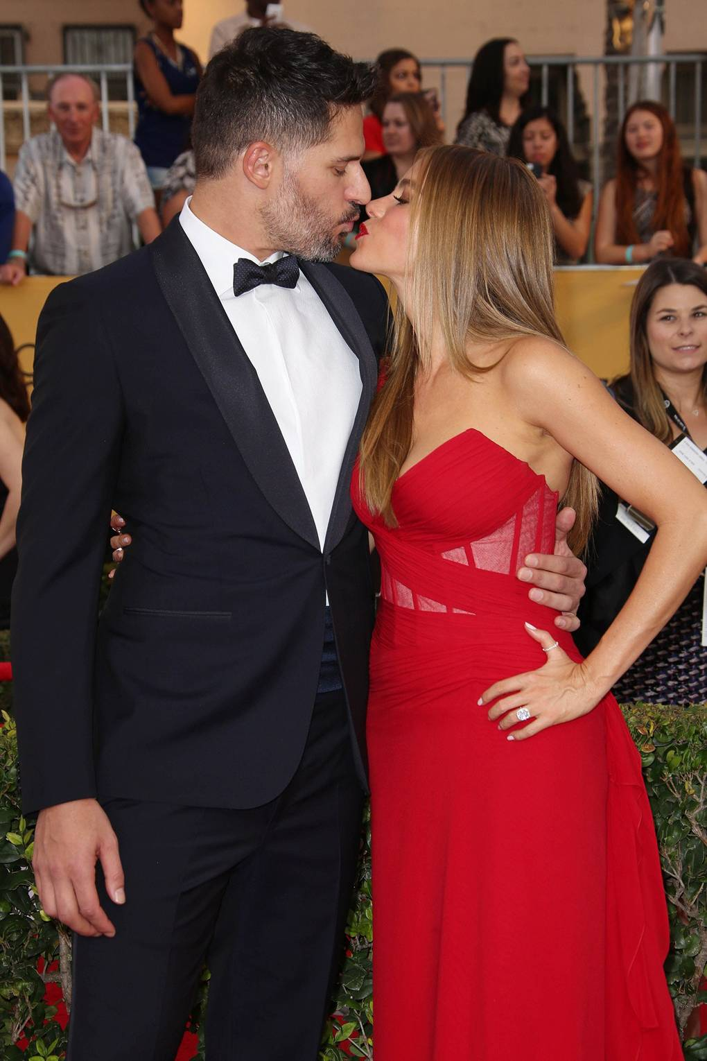How long have sofia vergara and joe been dating