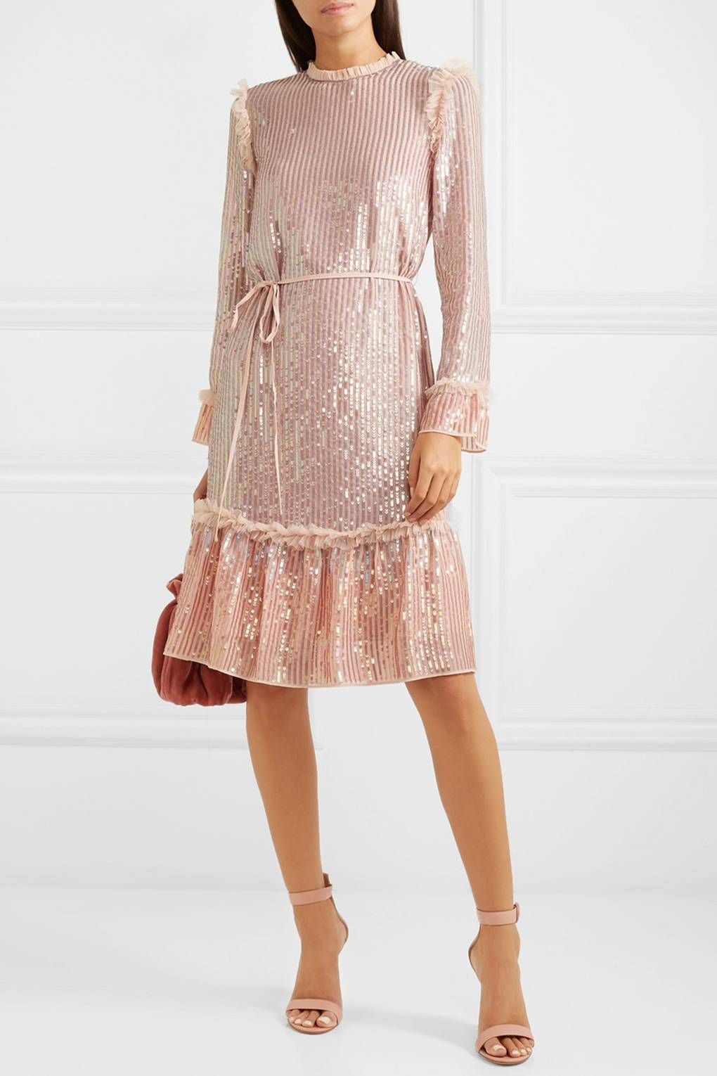 d57bae56e25 Chic Spring Wedding Guest Dresses - What To Wear To A Wedding In 2019