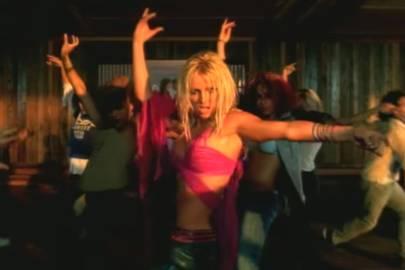 Britney Spears - I'm A Slave 4 U (2001)