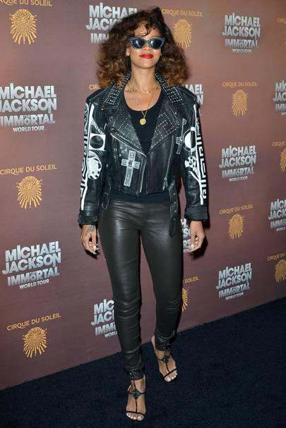 DON'T #15: Rihanna at Michael Jackson: The Immortal World Tour opening night, January