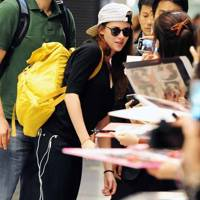 Kristen Stewart arrives in Japan ahead of Breaking Dawn 2 premiere