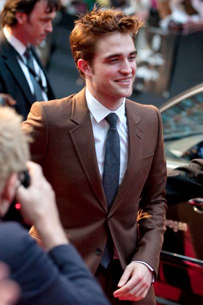 Robert Pattinson joins Twitter