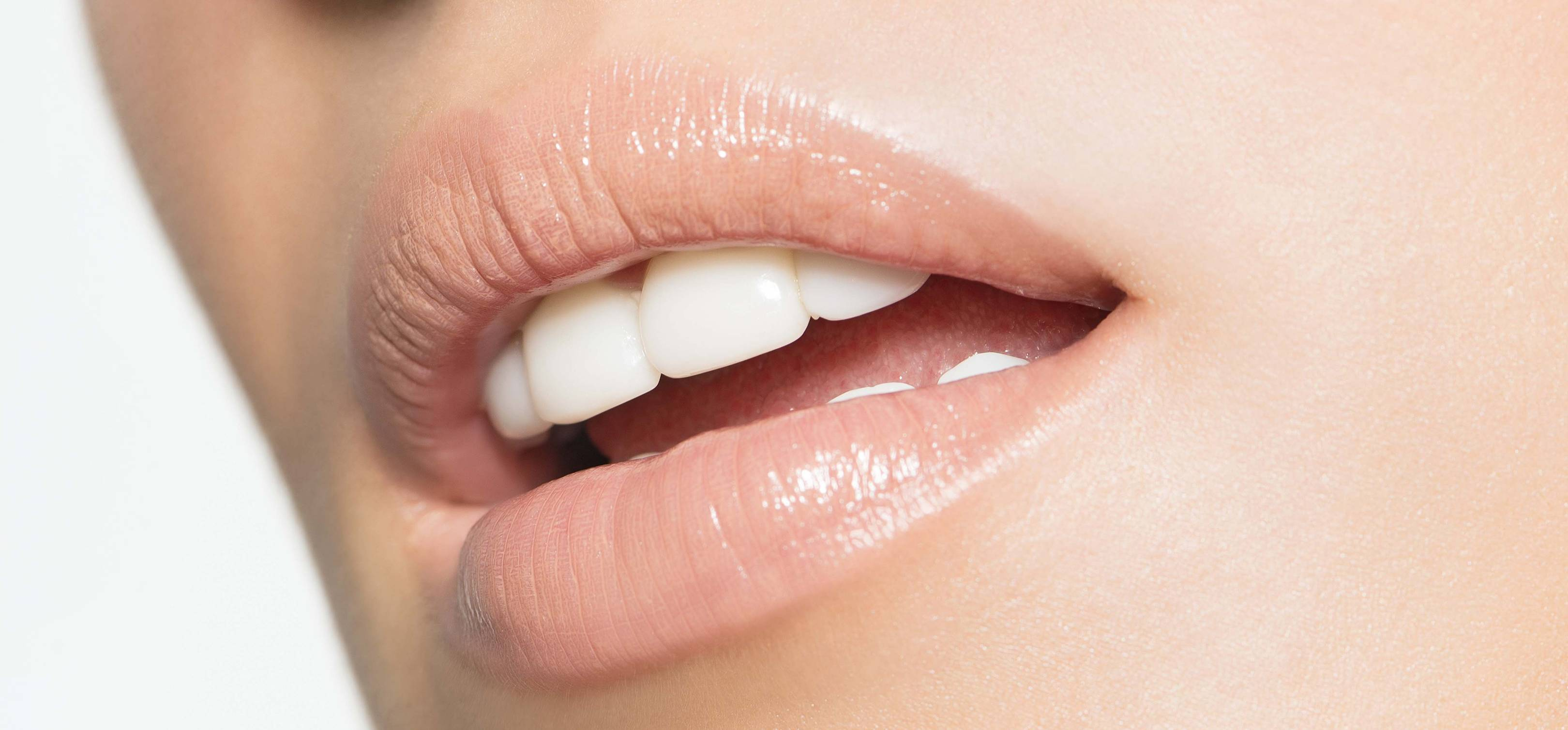 Tooth Bonding The New Alternative To Veneers Glamour Uk