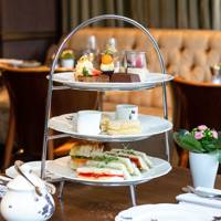 Christmas gifts for vegans: the vegan afternoon tea experience