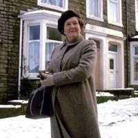 32. Hetty Wainthrop Investigates 1996-1998