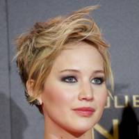 Jennifer Lawrence cuts off all of her hair